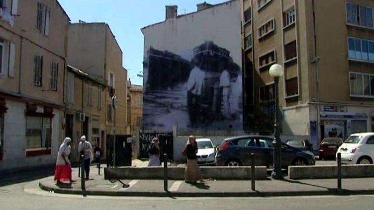 Photo de JR à la Belle de Mai  (France3/culturebox)