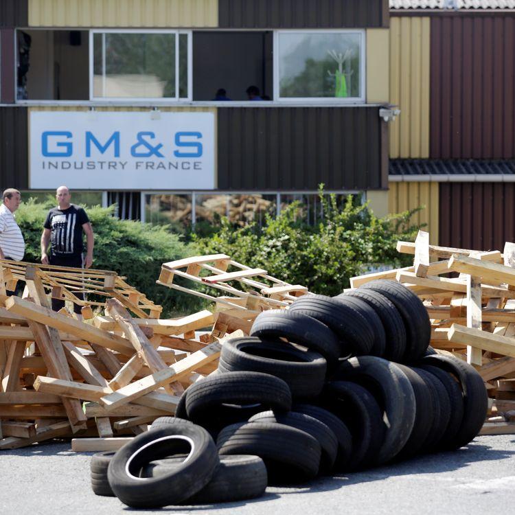 L'usine GM&S bloquée par des salariés à La Souterraine (Creuse), le 21 juin 2017. (PASCAL LACHENAUD / AFP)