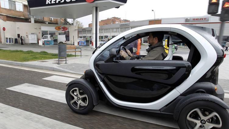 Valladolid (Espagne) avril 2012, une voiture 100% électriqueRenault Twizy (CESAR MANSO / AFP)