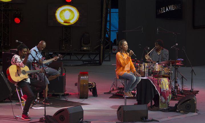 Lisa Simone et ses musiciens à Vienne le 4 juillet 2016  (Jean-François Lixon)