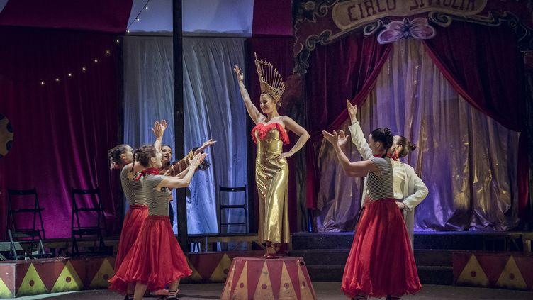 """""""Carmen, étoile du cirque"""" au Théâtre des Champs-Elysées (MARION KERNO)"""