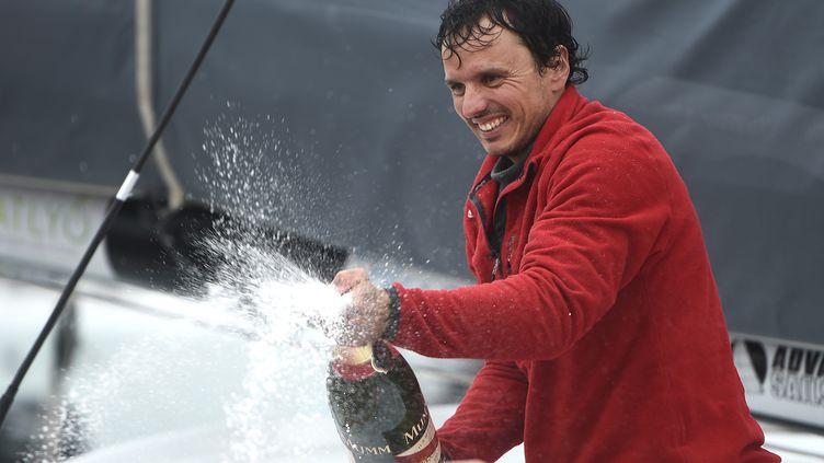 Le skipper espagnol Didac Costa (JEAN-SEBASTIEN EVRARD / AFP)