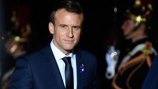 Emmanuel Macron, était la cible de sympathisants de l'ultradroite qui voulaient le poignarder lors des commémorations de l'armistice. (ERIC FEFERBERG/AFP)