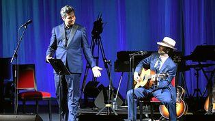 """Benjamin Biolay et Melvil Poupaud joue leur """"SongBook"""" sur la scène du théâtre Molière à Sète  (PHOTOPQR/LE MIDI LIBRE/MAXPPP)"""