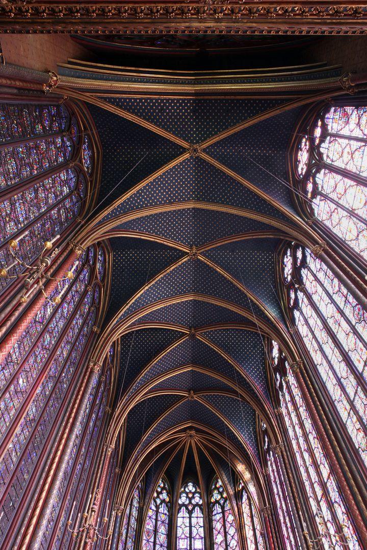 Les voutes de la Sainte-Chapelle culminent à 20 mètres du sol  (Manuel Cohen /AFP)