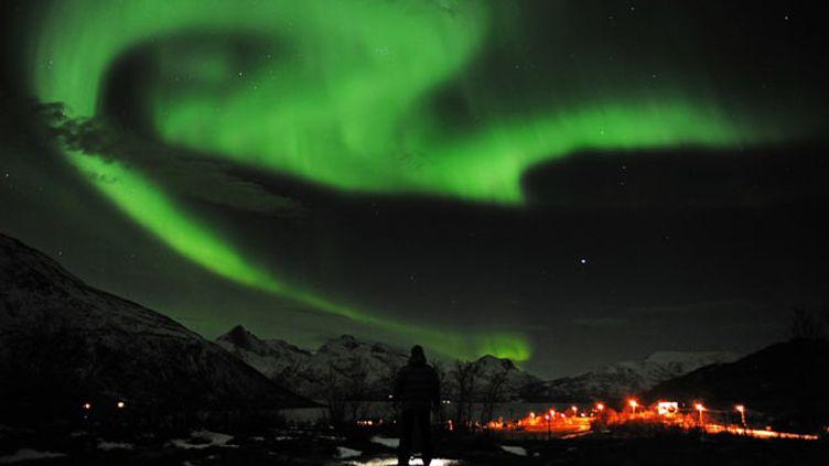 (Aurore boréale en Norvège en 2012, celles visibles en France cette nuit seraient plutôt rouge © REUTERS/Rune Stoltz Bertinussen)