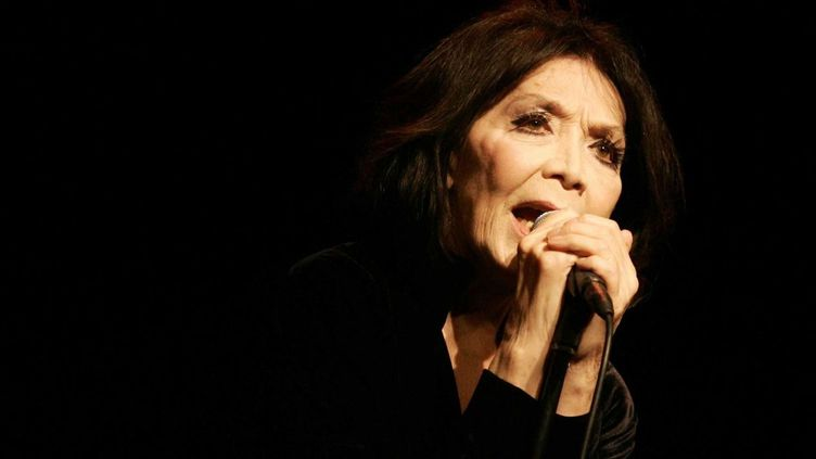 Juliette Greco sur scène  (Sipa presse)