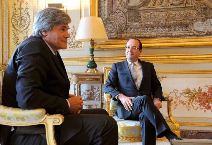 François Hollande et le ministre de l'Agriculture, Stéphane Le Foll, à l'Elysée, à Paris, le 22 juin 2013. (JEAN-FRANCOIS MONIER / AFP)