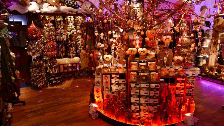Une boutique de Noël dans le centre d'Innsbruck, au Tyrol, près de Stans (EMMANUEL LANGLOIS)