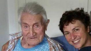 En Italie, la tendance à l'amélioration se confirme, avec 2477 nouveaux cas, un chiffre en faible baisse. Un homme de 101 ans est parvenu à vaincre la maladie. (France 2)