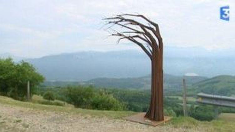 Chemin artistique et sculptures aux 4 vents à Vatilieu  (Culturebox)