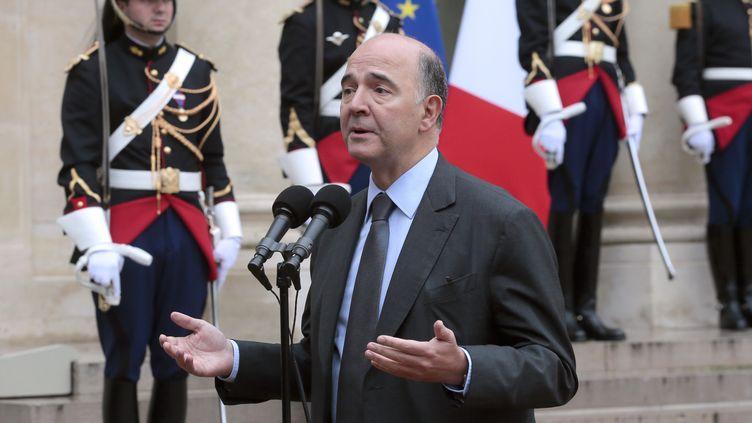 Le ministre de l'Economie et des Finances, Pierre Moscovici, le 8 novembre 2013 à Paris. (JACQUES DEMARTHON / AFP)