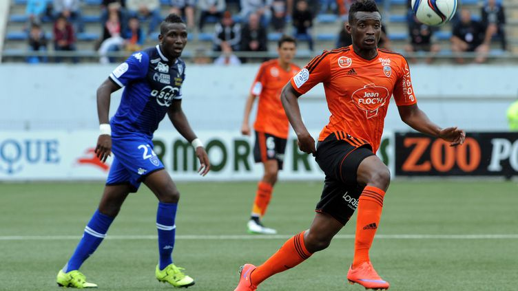 Benjamin Moukandjo pendant Lorient-Bastia (saison 2015-2016). (FRED TANNEAU / AFP)