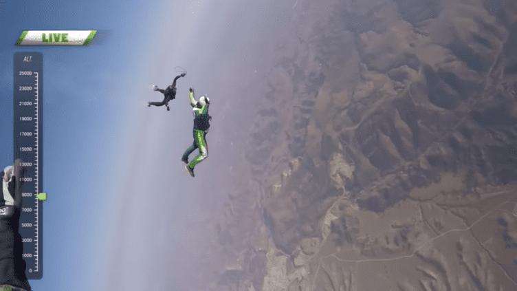 Luke Aikins en plein saut