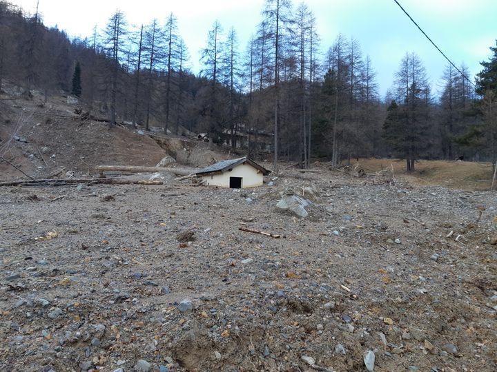 L'endroit où se trouvait la station d'épuration au hameau de Castérino. (JEROME JADOT / FRANCEINFO / RADIO FRANCE)