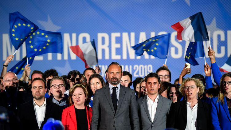 De gauche à droite, Sébastien Lecornu, Nathalie Loiseau, Edouard Philippe, Gabriel Attal et Muriel Pénicaud, le 6 mai 2019 à Caen (Calvados), lors d'un meeting de campagne de la majorité présidentielle pour les élections européennes. (DAMIEN MEYER / AFP)