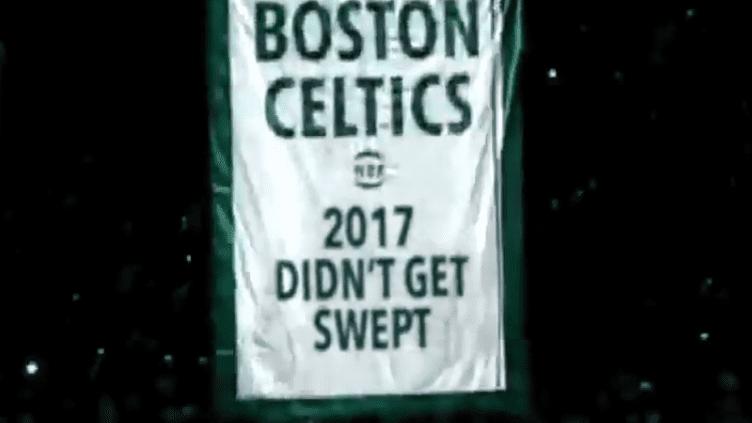 La banderole décalée que les Boston Celtics ont dressé après leur défaite contre Cleveland.