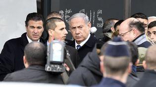 Le Premier ministre israélien, au magasin casher de la porte de Vincennes, à Paris, le 12 janvier 2015. (MARTIN BUREAU / AFP)