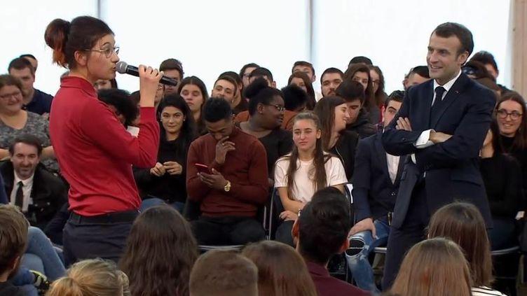Une intervention très remarquéelors du débat entre le président de la République et des jeunes de Saône-et-Loire, jeudi 7 février, jette un coup deprojecteur sur l'autisme. (FRANCEINFO)