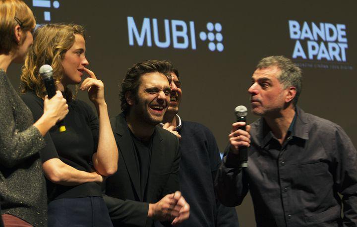 A droite le réalisateur Pierre Salvadori et ses trois comédiens sur la scèn de la Quinzaine des Réalisateurs le 14 mai 2018  (Jean-François Lixon)