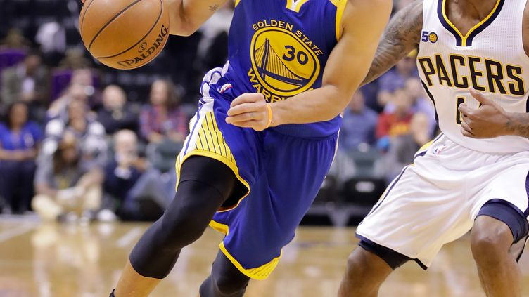 Stephen Curry (Golden State Warriors) contre Indiana  (ANDY LYONS / GETTY IMAGES NORTH AMERICA)