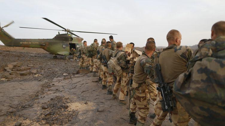 Des soldats français dans le massif des Ifoghas (Mali), le 17 mars 2013. (KENZO TRIBOUILLARD / AFP)