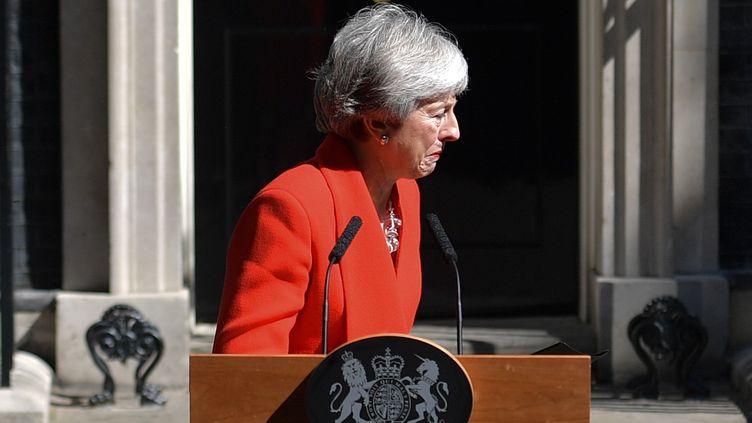 Theresa Mayannonce sa démission du poste de cheffe du Parti conservateur, etpar conséquent du poste de Première ministre britannique, le 24 mai, à Londres. (DANIEL LEAL-OLIVAS / AFP)