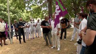 Pass sanitaire : des syndicats de soignants appellent à une grève illimitée (France 3)