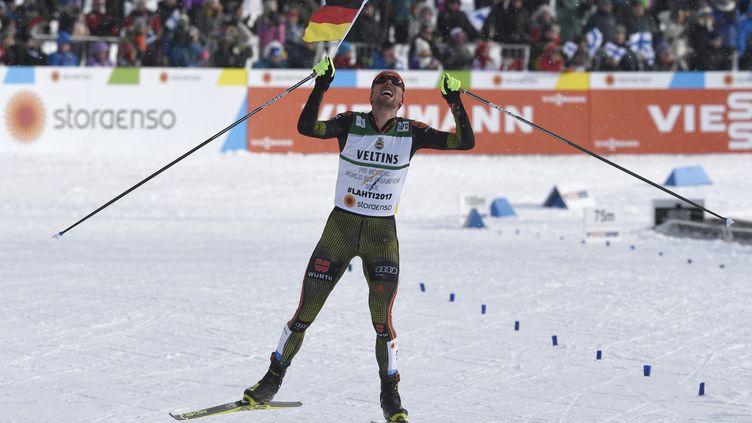 L'Allemand Johannes Rydzek a récidivé en combiné nordique sur 10 kilomètres et conserve son titre mondial obtenu il y a deux ans en Suède. (JONATHAN NACKSTRAND / AFP)