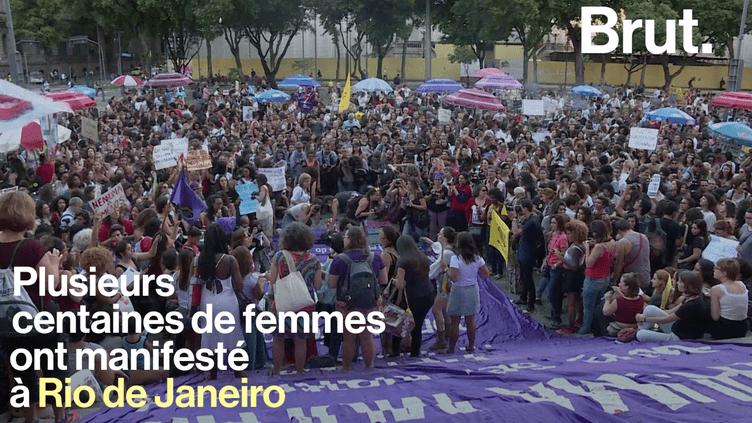 Plusieurs centaines de femmes ont manifesté au Brésil pour défendre le doit à l'avortement. (Brut.)