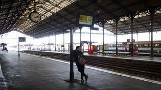 Le quai de la gare SNCF Matabiau à Toulouse (Haute-Garonne), le 22 mars 2018. (ERIC CABANIS / AFP)