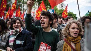 Des étudiants manifestent contre la loi Travail, le 28 avril 2016 à Paris. (BENJAMIN MENGELLE / HANS LUCAS / AFP)
