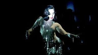 Dita Van Tess sur la scène du Crazy Horse  (Capture d'écran France 3 / culturebox)