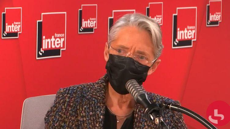 Élisabeth Borne, ministre du Travail, de l'Emploi et de l'Insertion, sur France Inter le 19 avril 2021. (FRANCEINTER / RADIOFRANCE)