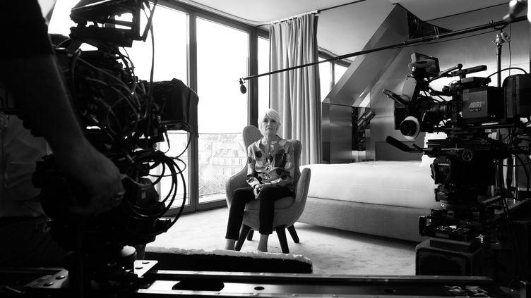 """Françoise Hardy sur le tournage de """"Haut les Filles"""". (Sonia Sieff)"""