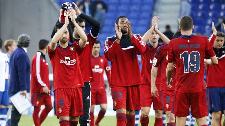 Les joueurs d'Osasuna saluent leur public (JOAN VALLS / NURPHOTO)