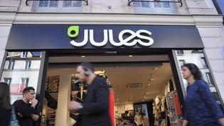 Un magasin Jules, appartenant au groupe Happychic, à Paris, le 24 octobre 2017. (SERGE ATTAL / ONLY FRANCE / AFP)