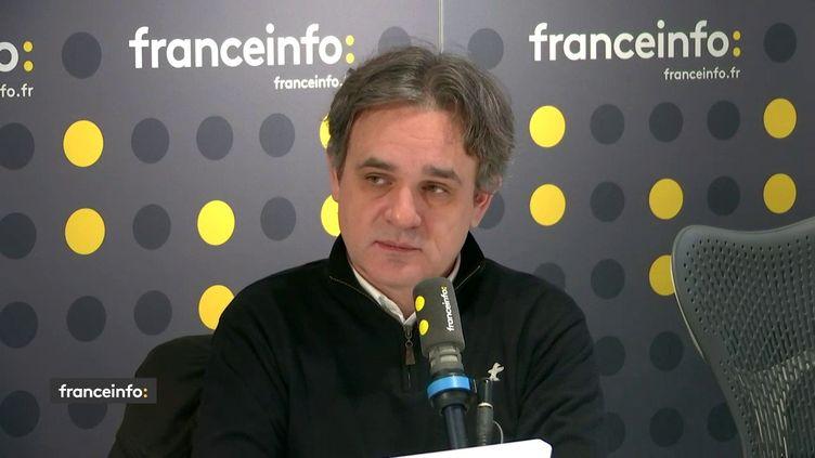 """Riss, directeur de la rédaction de Charlie Hebdo, invité du """"8h30 franceinfo"""", mardi 7 janvier 2020.  (FRANCEINFO / RADIOFRANCE)"""