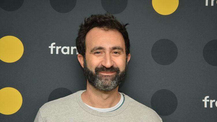Mathieu Madenian, humoriste. (JEAN-CHRISTOPHE BOURDILLAT / RADIO FRANCE)