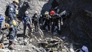 Le site du Crash de l'Airbus A320 de Germanwings, dans les Alpes-de-Haute-Provence, le 31 mars 2015. (YVES MALENFER / MINISTERE DE L'INTERIEUR)