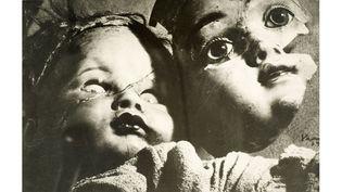 Kati Horna, Sans titre, Muñecas del miedo (Poupées de la peur), Paris 1939, Archivo Privado de Fotografía y Gráfica Kati y José Horna  (2005 Ana María Norah Horna y Fernández)