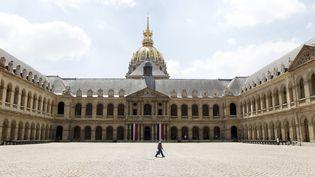 La cour desInvalides, à Paris, le 23 juin 2010. (PATRICK KOVARIK / AFP)