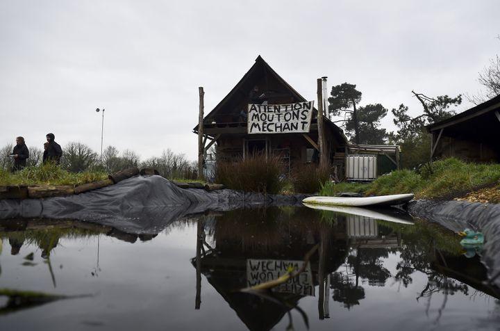 """La zone des """"100 Noms"""" dans la ZAD de Notre-Dame-des-Landes (Loire-Atlantique), le 9 avril 2018. (GUILLAUME SOUVANT / AFP)"""