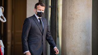 Le président de la République Emmanuel Macron au palais de l'Elysée, le 30 mars 2021. (ANTOINE DE RAIGNIAC / HANS LUCAS / AFP)