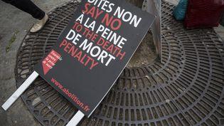 Pancarte pour la manifestation à Paris en soutien à Serge Altaoui, un français condamné à mort en Indonesie, le 25 avril 2015. (MAXPPP)