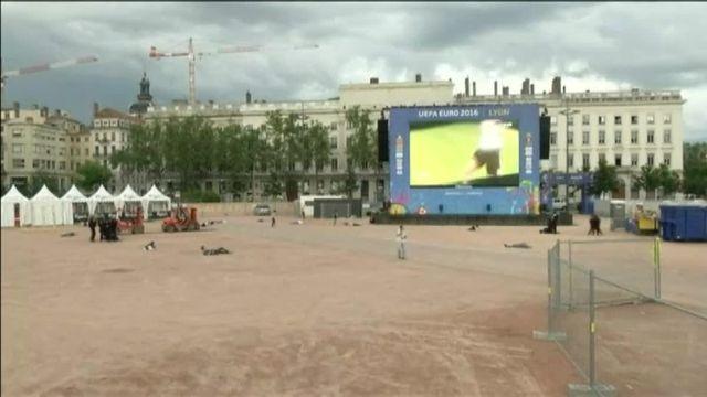 Exercice de sécurité organisé dans une fanzone de Lyon, le mardi 7 juin 2016.