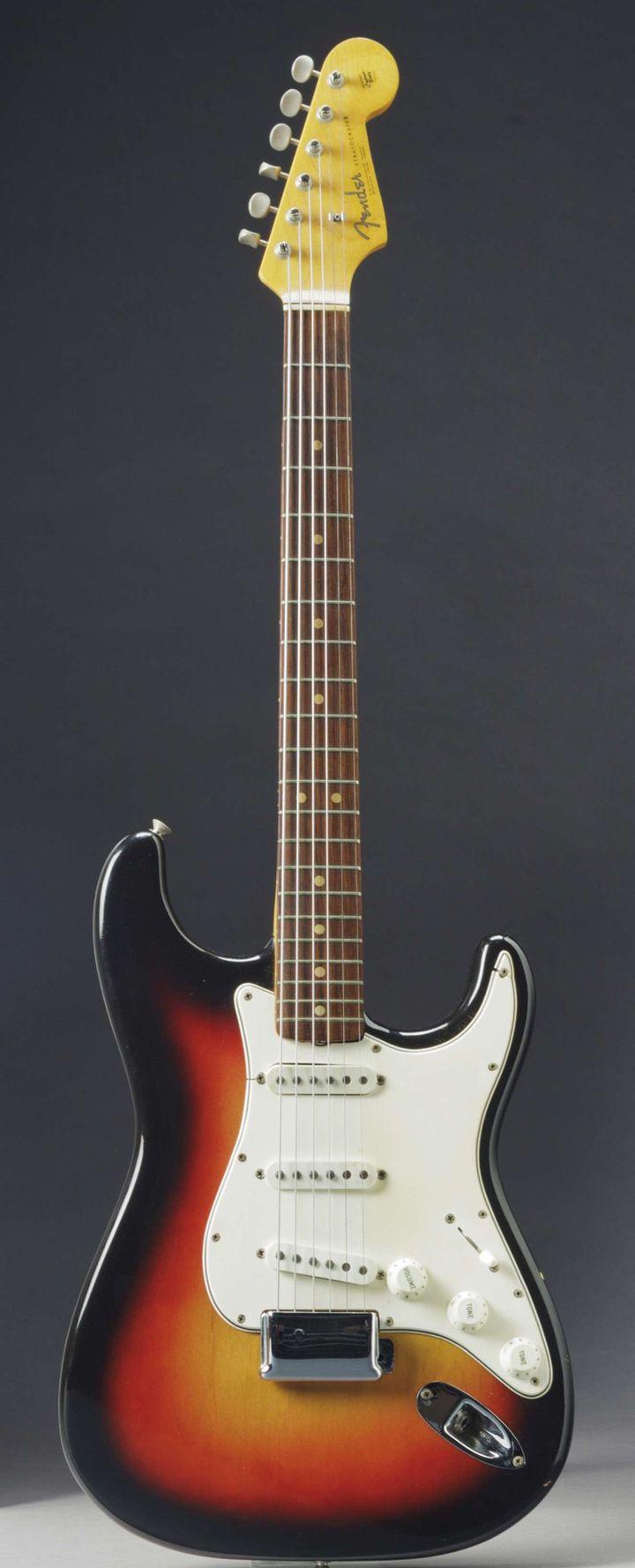 Guitare Fender de Bob Dylan aux enchères chez Christie's, déc 2013  (Uncredited/AP/SIPA)