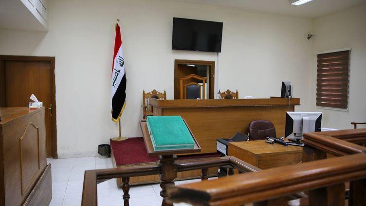 La salle de tribunal à Bagdad où les jihadistes français notamment sont jugés. (SABAH ARAR / AFP)