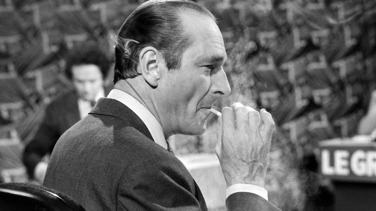 """""""Il était le président de mon enfance, l'homme qui mangeait des pommes et de la tête de veau""""et qui fumait derrière son bureau. Vous avez raconté à franceinfo vos souvenirs les plus forts avec Jacques Chirac, mort le 26 septembre 2019. (PIERRE GUILLAUD / AFP)"""