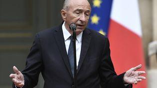 L'ancien ministre de l'Intérieur, Gérard Collomb, lors de sa passation de pouvoir place Beauvau, le 3 octobre 2018. (STEPHANE DE SAKUTIN / AFP)